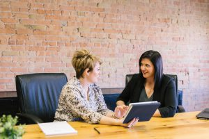 Weniger Arbeitsstress durch Nudging bei Gesunder Führung